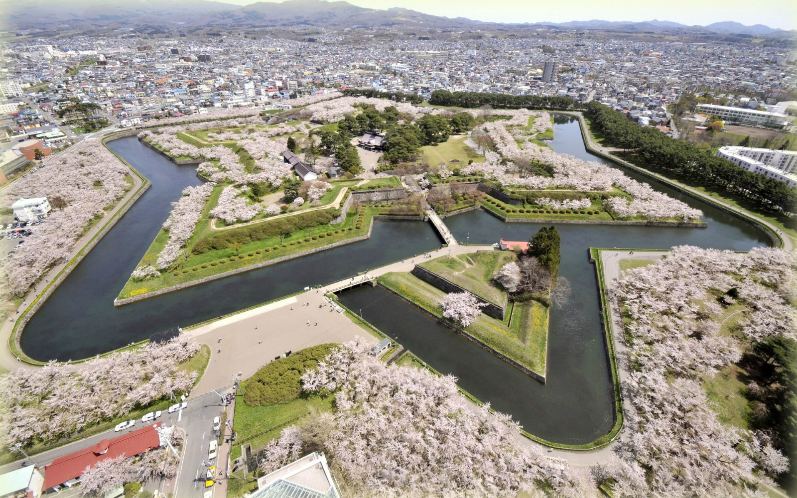 landscape-design-japan-urban-park
